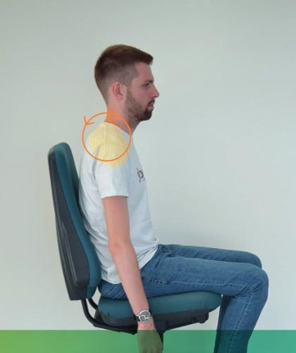 Mal de dos - Détendre ses épaules en les roulants vers l'arrière.